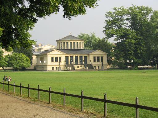 Akad. Kunstmuseum & Hofgarten